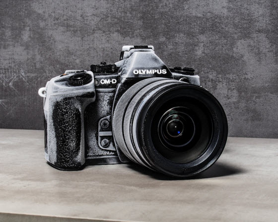 Olympus_Average_D-SLR_vs_E-M1