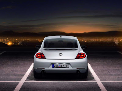 Volkswagen-Beetle_2012_1600x1200_Rear