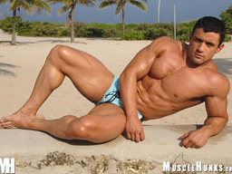 Muscle Hunk MuscleHunks Macho Nacho