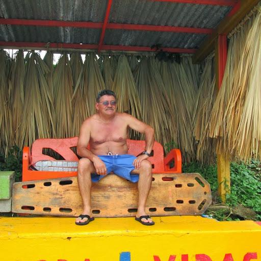Luis Menendez Photo 30