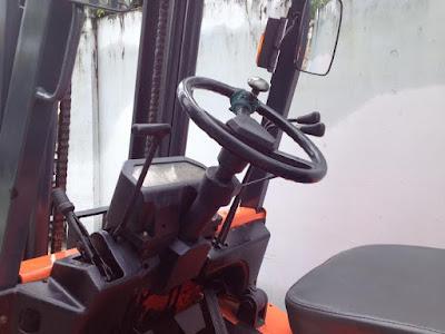xe nang hang nissan 2.5 tan