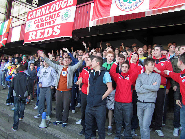 23_cliftonville-linfield_20111105.jpg