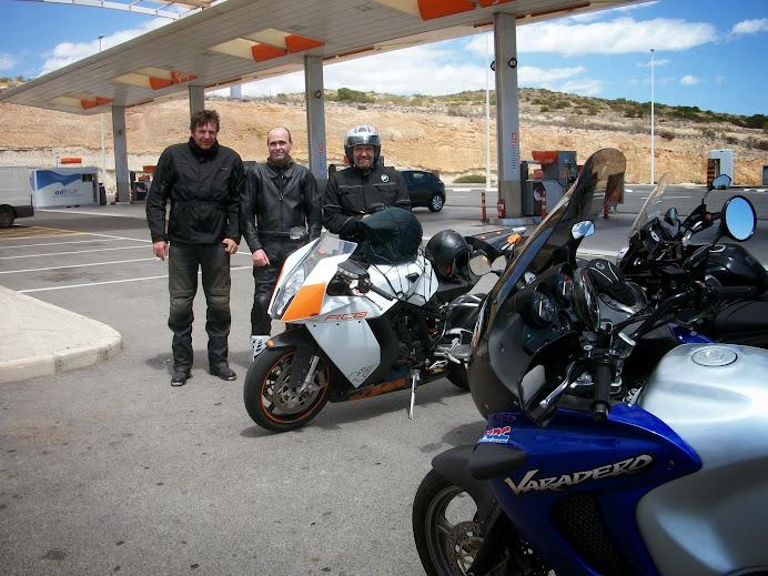 Moto almuerzo en Fontanares (Domingo 20 de Abril) 100_4188