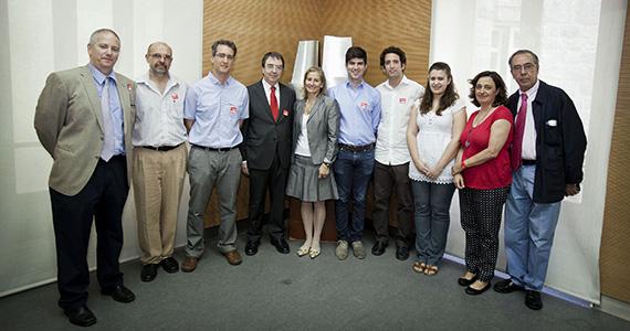 Universitarios presentan a la Comunidad un proyecto para Solar Decathlon 2014