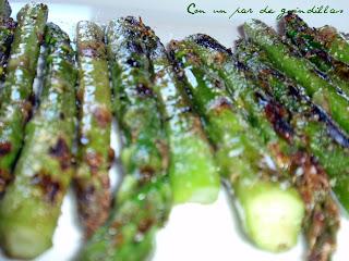 Espárragos verdes con reducción de vinagre