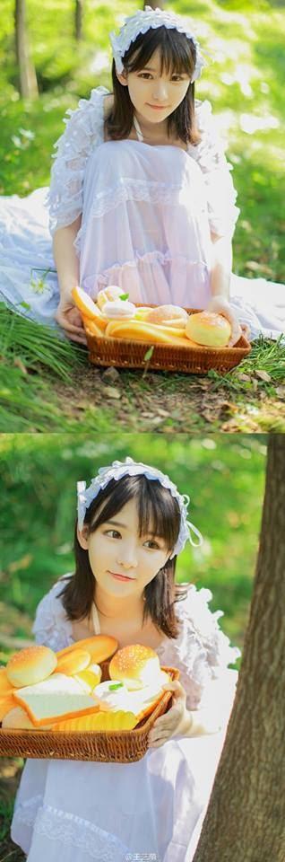"""Vẻ đẹp trong veo """"không tì vết"""" của ngọc nữ làng livestream Trung Quốc"""