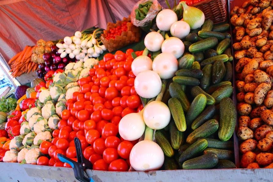 kauppatori market vegetables helsinki