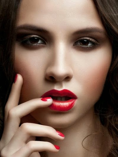 hot red lip colour