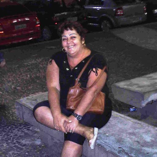 Meg Flores Photo 3