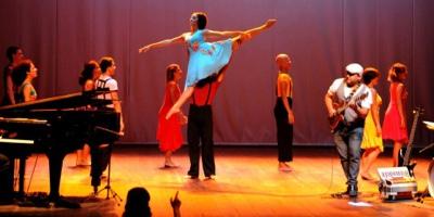"""Espetáculo """"Cantos e Danças"""" reúne várias atrações no Teatro Alberto Maranhão"""