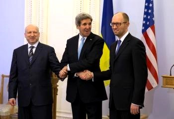 Kerry s ukrajinskými představiteli.jpg