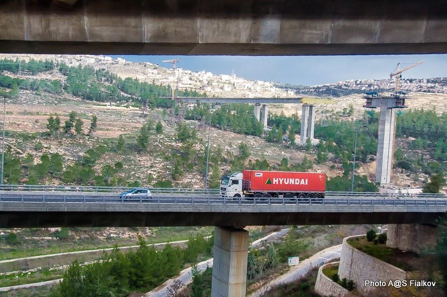 Дорога в Иерусалим. Строительство новых транспортных развязок и железнодорожной ветки.