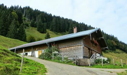 Almhütte Aufstieg zum Rangiswangerhorn von Kierwang Bolsterlang Allgäu