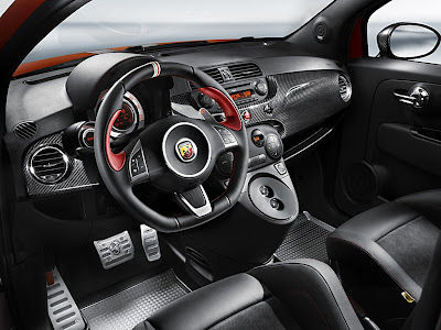 Abarth 695 Tributo Ferrari dashboard