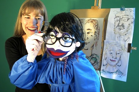 Renate loves to paint - by Marianne Mettes, PuppetOOdle