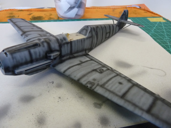 Bf-109 E-3 Tamiya 1/48 - Reforma pintura P1020459