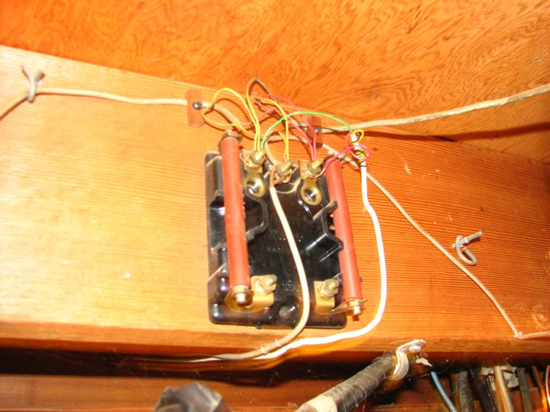 phone wiring blocks help rh thesurvivalpodcast com residential phone wiring block phone line wiring block