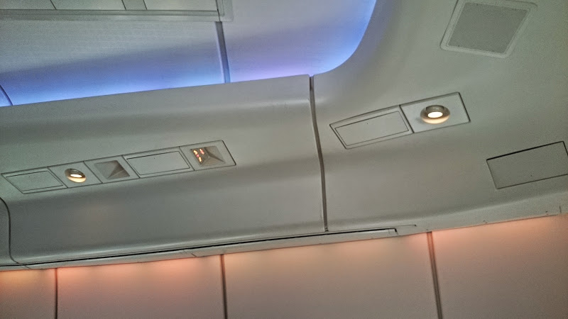 DSC 2885 - REVIEW - Cathay Pacific : First Class - Hong Kong to Tokyo (B747)
