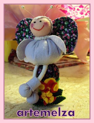 artemelza - abelha de fuxico e feltro