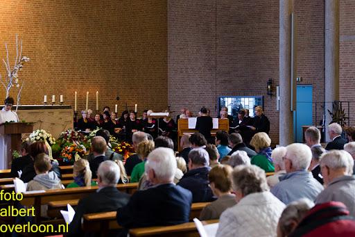 herdenkingsdienst  en een stille tocht naar het Engelse kerkhof 12-10-2014 (20).jpg