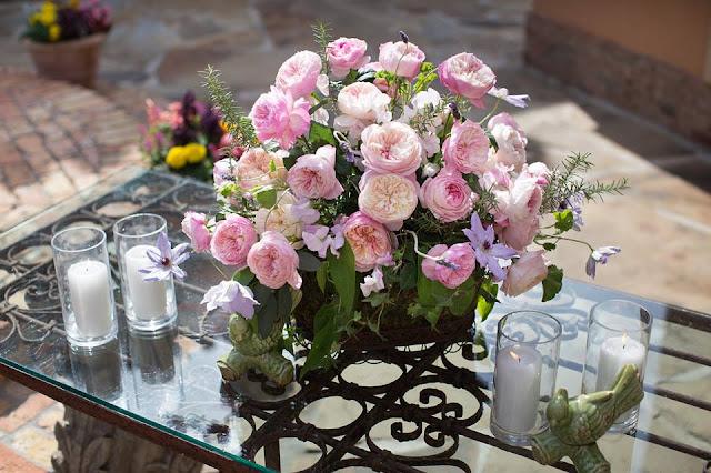 Hồng Constance rose được dùng để trang trí ở các buổi tiệc
