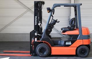 Xe nâng điện Toyota 1.5 tấn