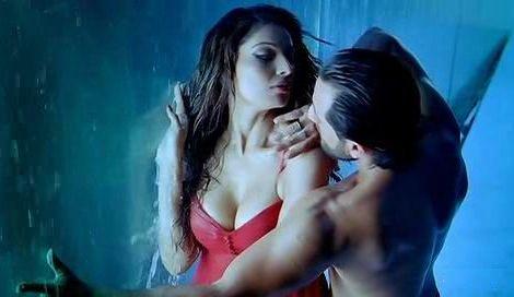 Bipasha Basu nackt, Oben ohne Bilder, Playboy Fotos, Sex