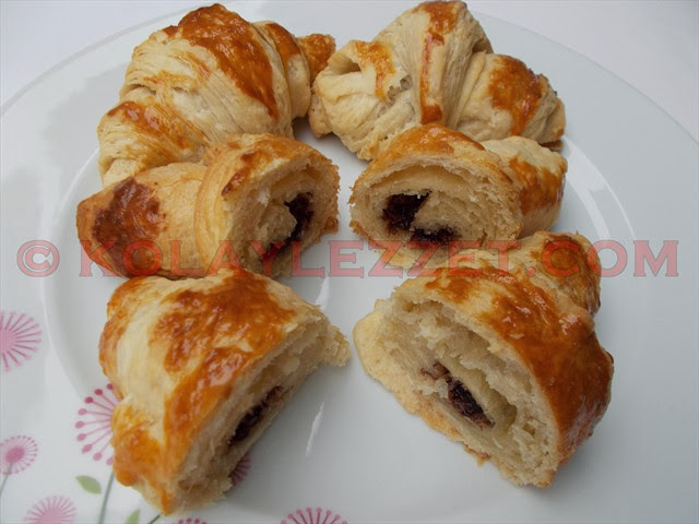 EVDE-TEREYAĞLI-ÇİKOLATALI-KRUVASAN-YAPIMI-(Croissant,-Fransa)