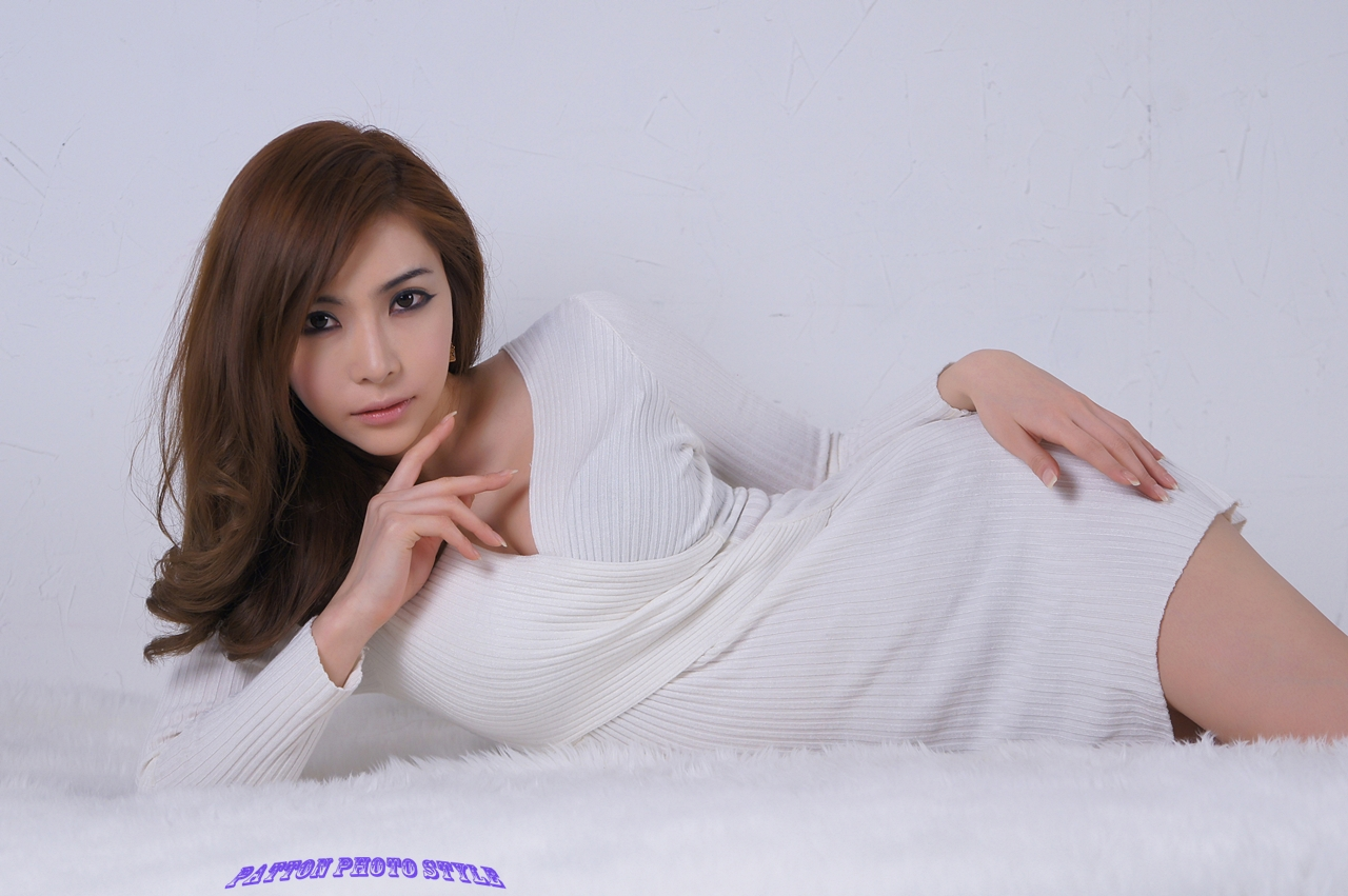 Sexy in White! Jo Se Hee (조세희)!