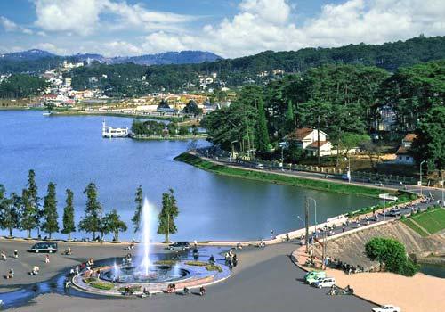 Thơ viết về Hồ Xuân Hương ở Đà Lạt