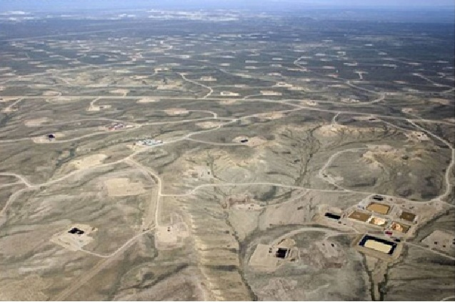 https://lh4.googleusercontent.com/-ck8MdOboHfw/TY3HYD7ahlI/AAAAAAAAAko/7BgvOyQE18M/s1600/Gas+wells+USA.jpg