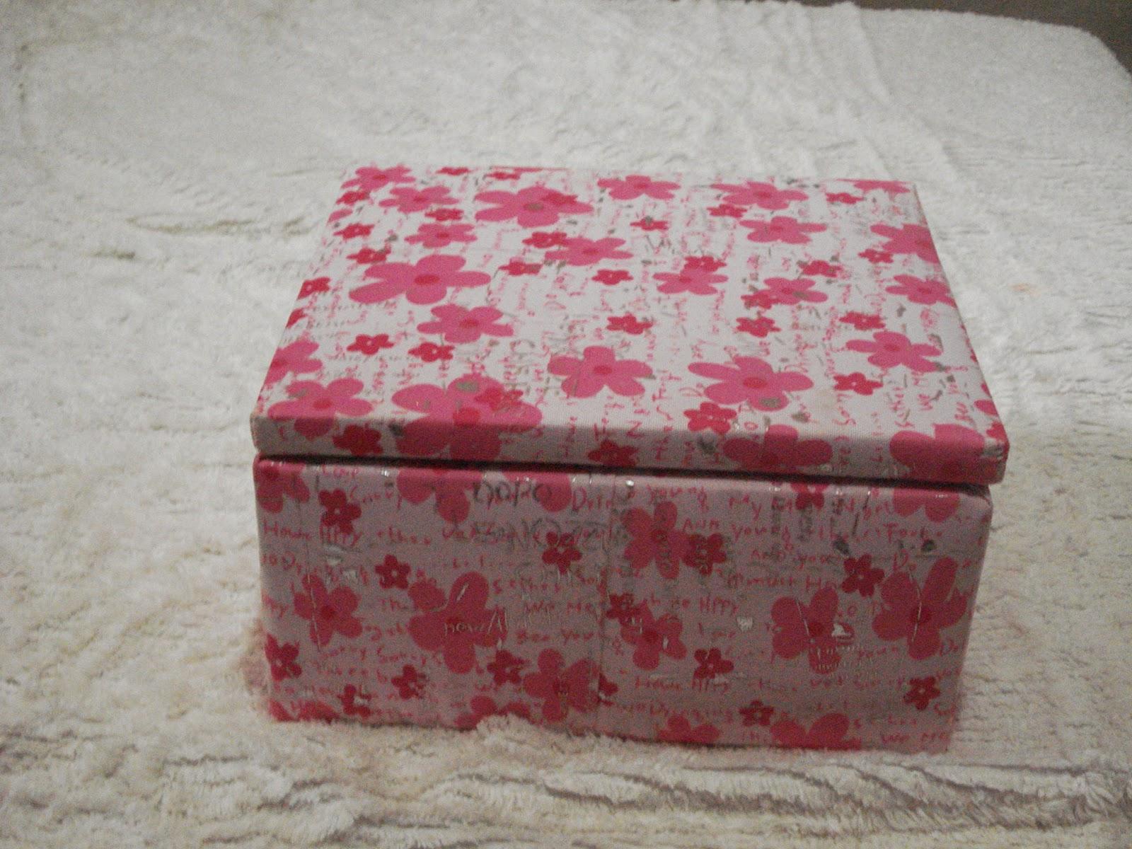 Cia.: caixas decoradas de madeira com camursa ou outros tecidos #9A3144 1600x1200