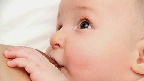 La lactancia materna reduce el riesgo de enfermedades