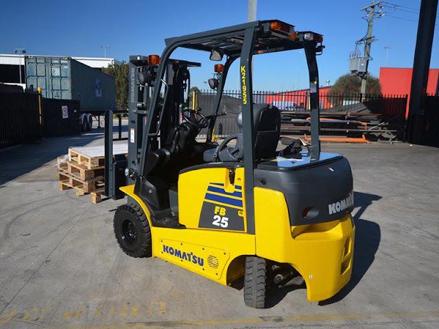 Xe nâng điện Komatsu 2.5 tấn FB25-12