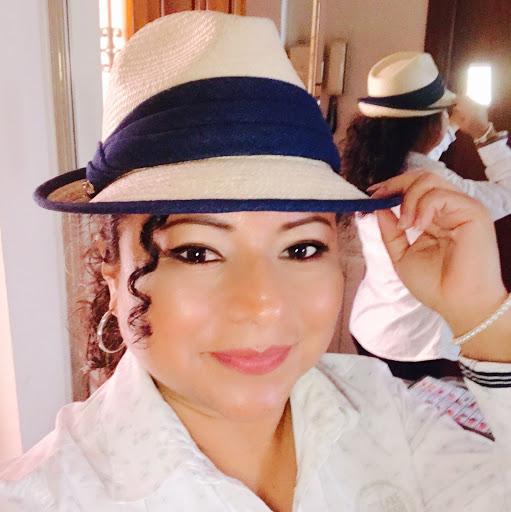 Gina Bravo Photo 15