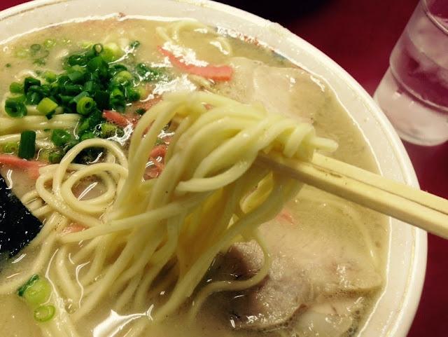 東洋軒のラーメンの麺