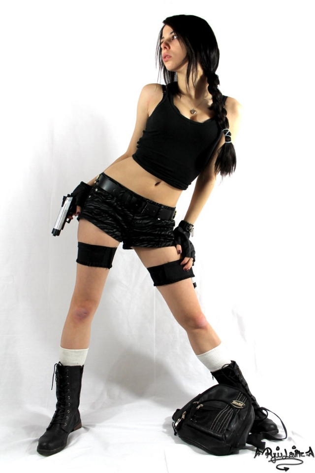 Ngắm nàng Lara Croft quốc tịch Trung Quốc