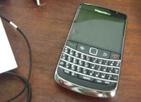FOTO BLACKBERRY DISARANKAN JAVASCRIPT DIMATIKAN BAHAYA TERBARU 2011