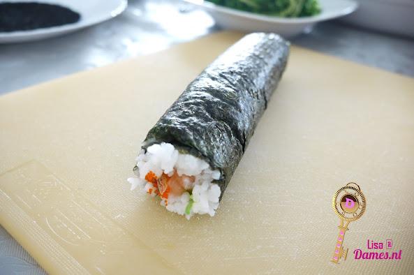 Sushi maken 4.JPG