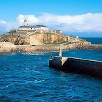 Faro Isla Tapia. 43º 34,4' N / 6º 56,8' W