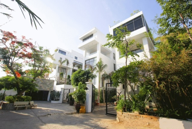 LUXURY VILLA RENTAL Front beach Vung Tau City