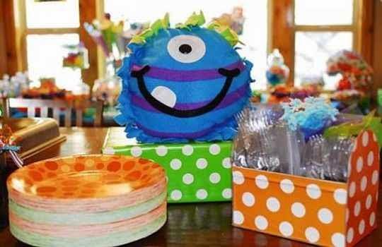 Fiesta temática de monstruos para niños 3
