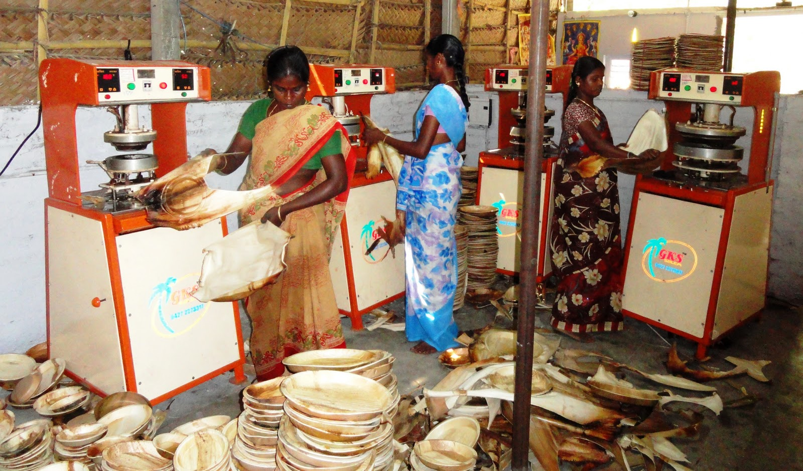 SEVAI promotes the production of Arecanut Leaf Platesu0027(Paakku mattai Plates) among Self Help Groups of Angarai Cluster of Trichirapalli District. & NGO News blog NewsLine: ARECANUT LEAF PLATES (PAAKKU MATTAI PLATES ...