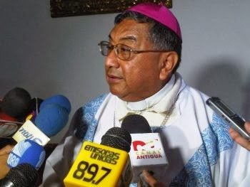 Guatemala: Catholics lead all-night vigil for peace