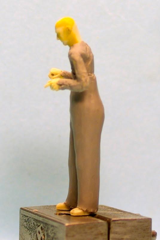 La sculpture de figurine ou comment j'y arrive _IGP5600