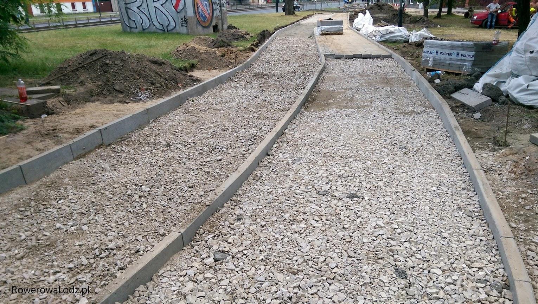 Stan prac pomiędzy wiaduktem kolejowym przy PKP Łódź Pabianicka a ul. Leszczową