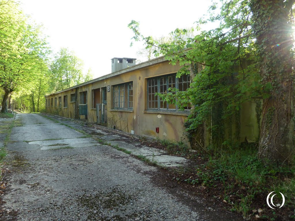 Living quarters workshops or offices along the concrete road