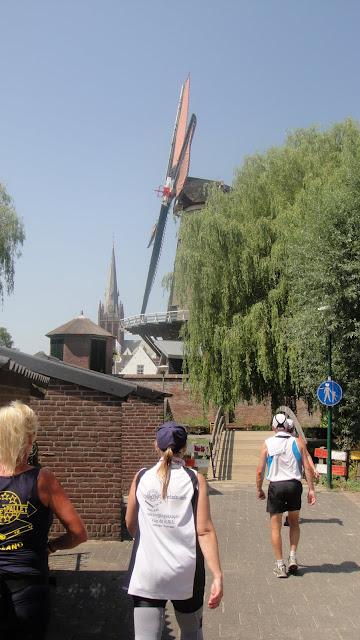 160km en ligne: Nimègue-Rotterdam: 21-22 septembre 2013 DSC01716