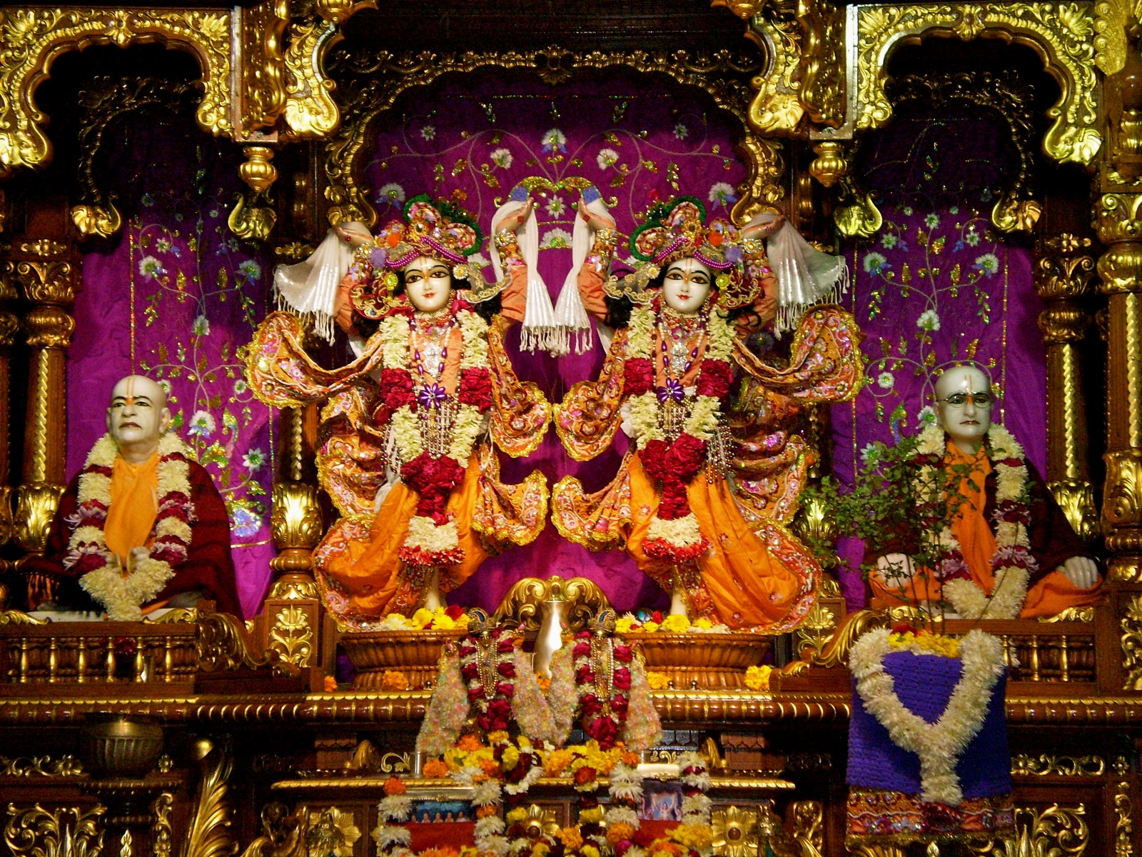 Inside the Hindu Temple   Internationally Grown   Inside A Hindu Temple