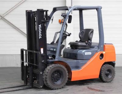 Xe nâng hàng 2.5 tấn Toyota Nhật Bản 0934172768